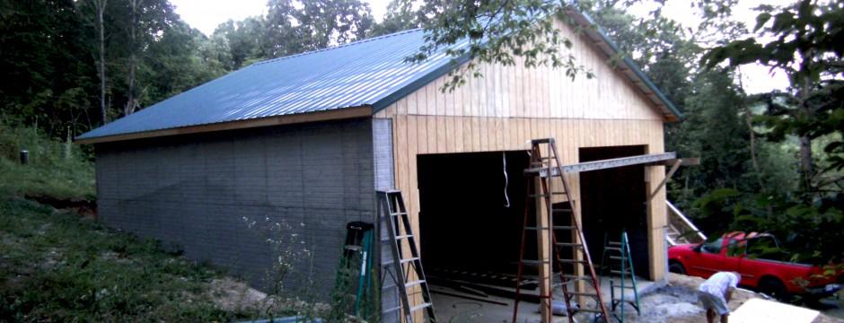Custom Garage Built in Shenandoah Valley by Valley Builders LLC.