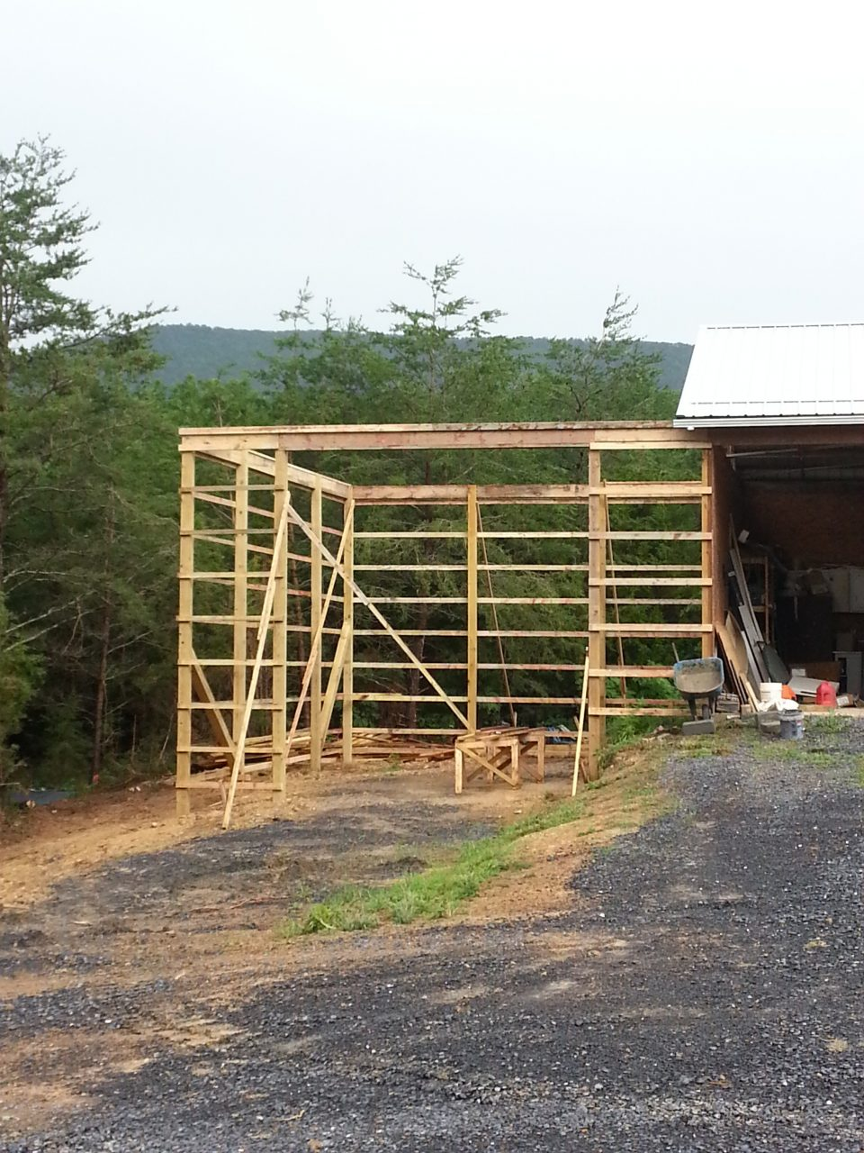 Valley builders llc valley builders pole barn addition in for Adding onto a pole barn